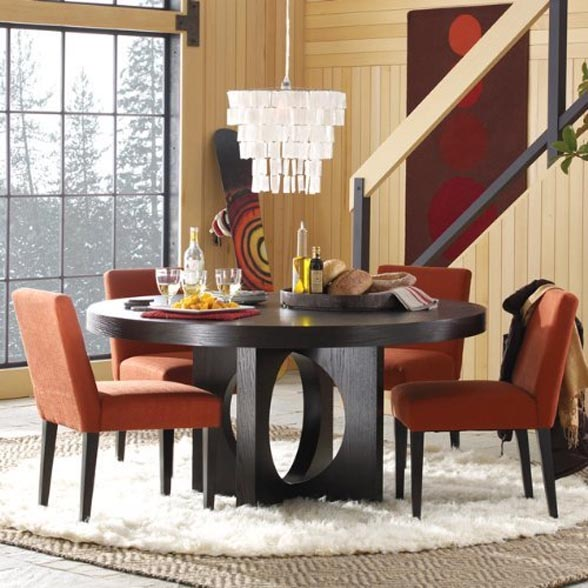 Small Circle Dining Room Table photo - 2