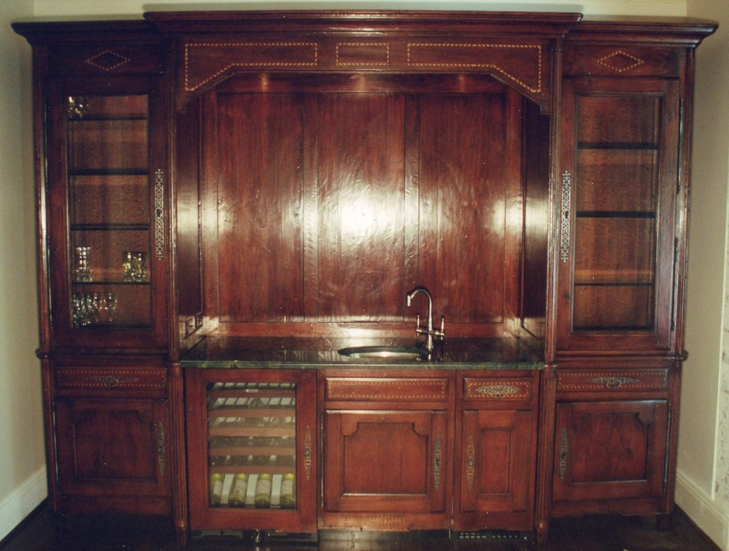 Wet Bar photo - 1