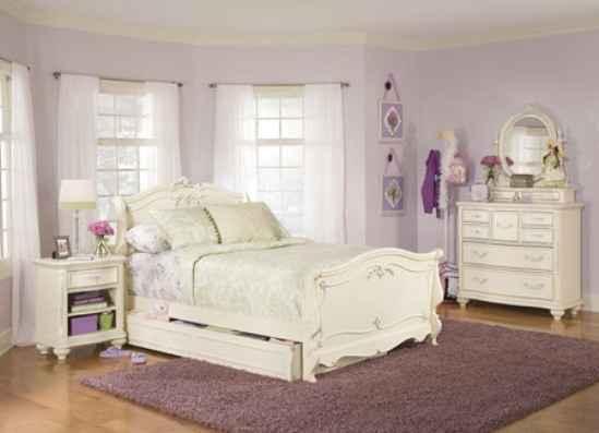 antique white bedroom furniture for girls photo - 1