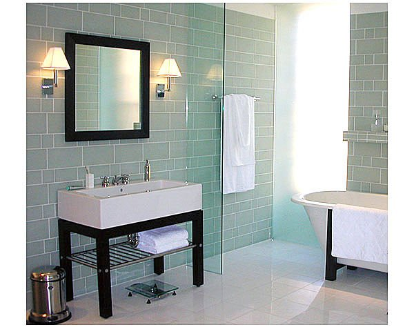 bathroom designs using glass tiles photo - 1