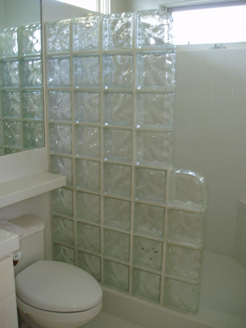 bathroom designs using glass tiles photo - 4