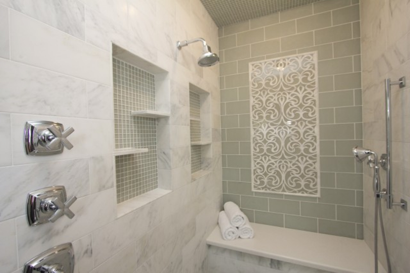 bathroom designs using subway tile