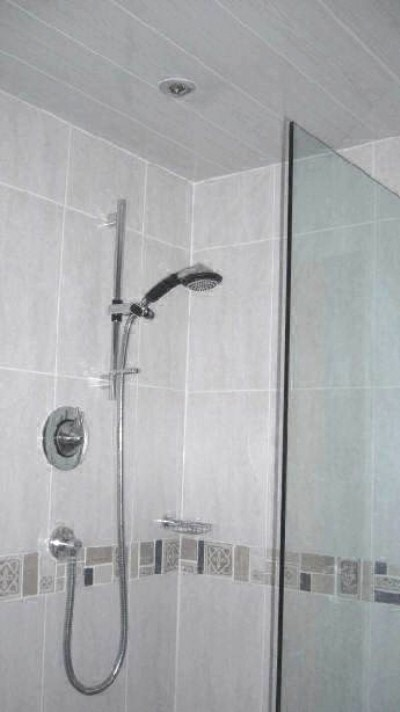 bathroom designs with marble tiles photo - 6