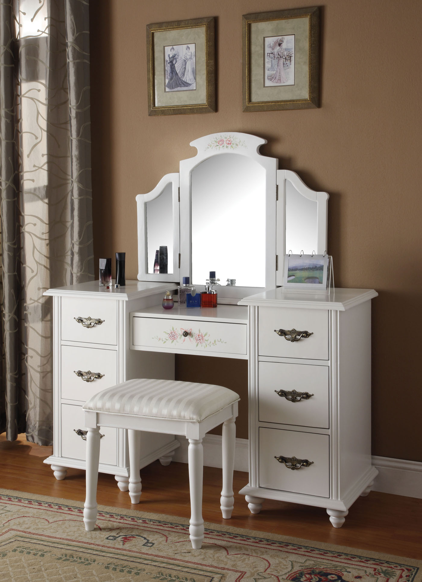 bedroom furniture sets with vanity photo - 2