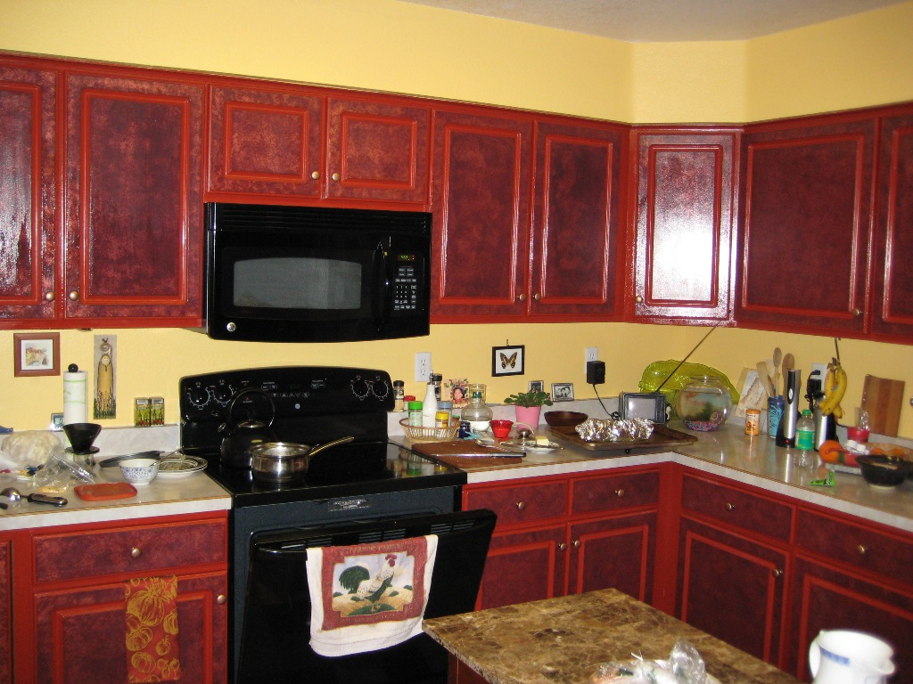 Best green paint color for kitchen my web value for What color to paint small kitchen