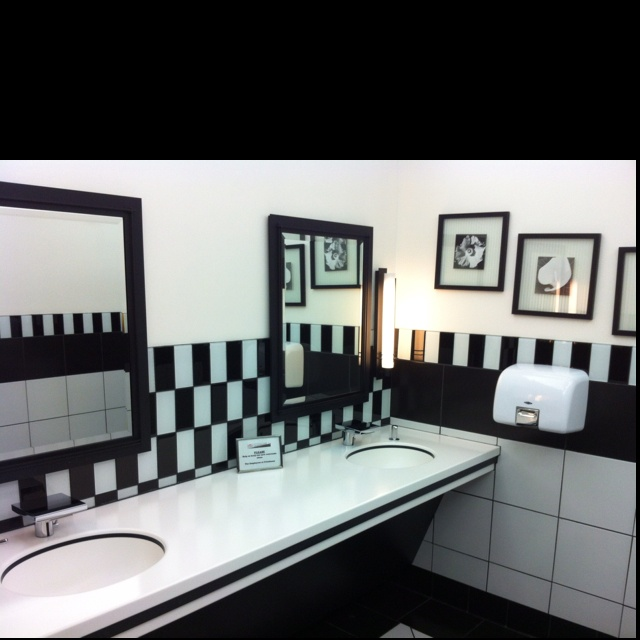 black and white kids bathroom ideas photo - 1