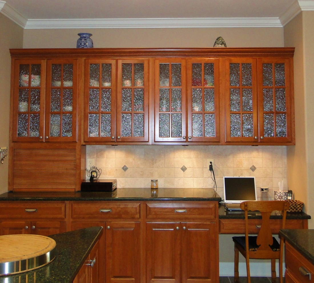 black kitchen cabinets with glass photo - 3
