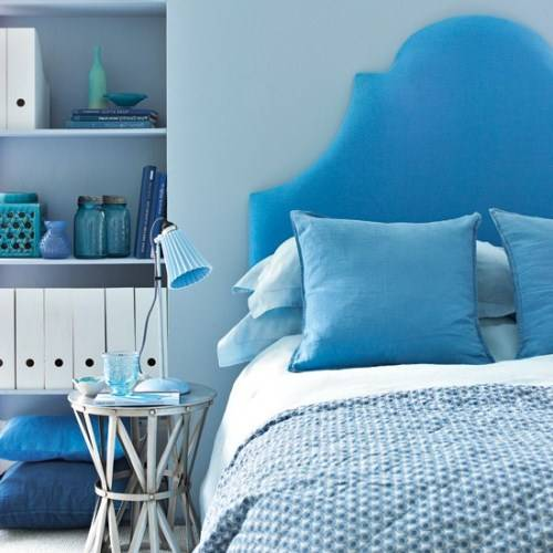 blue and white bedroom accessories photo - 1
