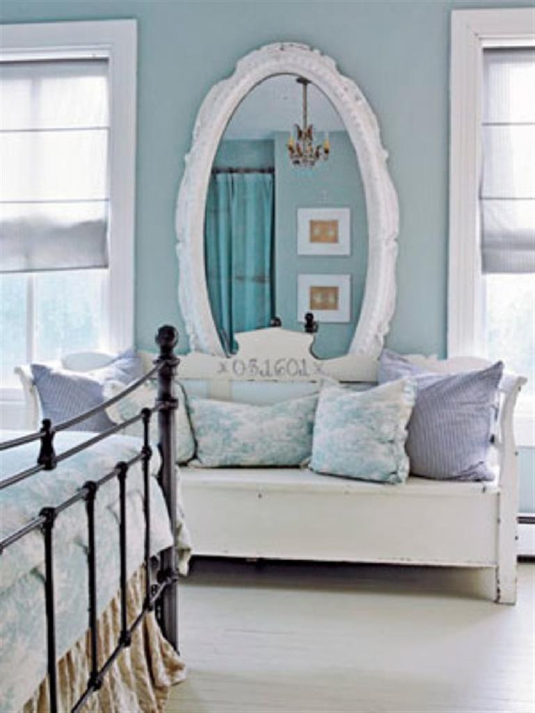 blue and white bedroom accessories photo - 5
