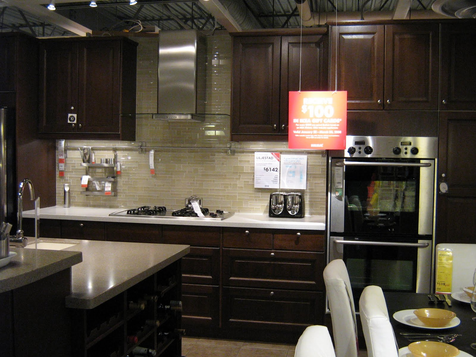 dark cabinet backsplash ideas photo - 4