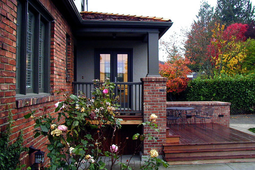 exterior paint colors with red brick give your house a touch of. Black Bedroom Furniture Sets. Home Design Ideas