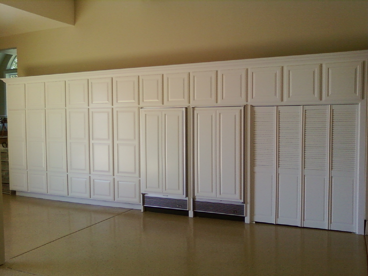 garage cupboard designs photo - 6