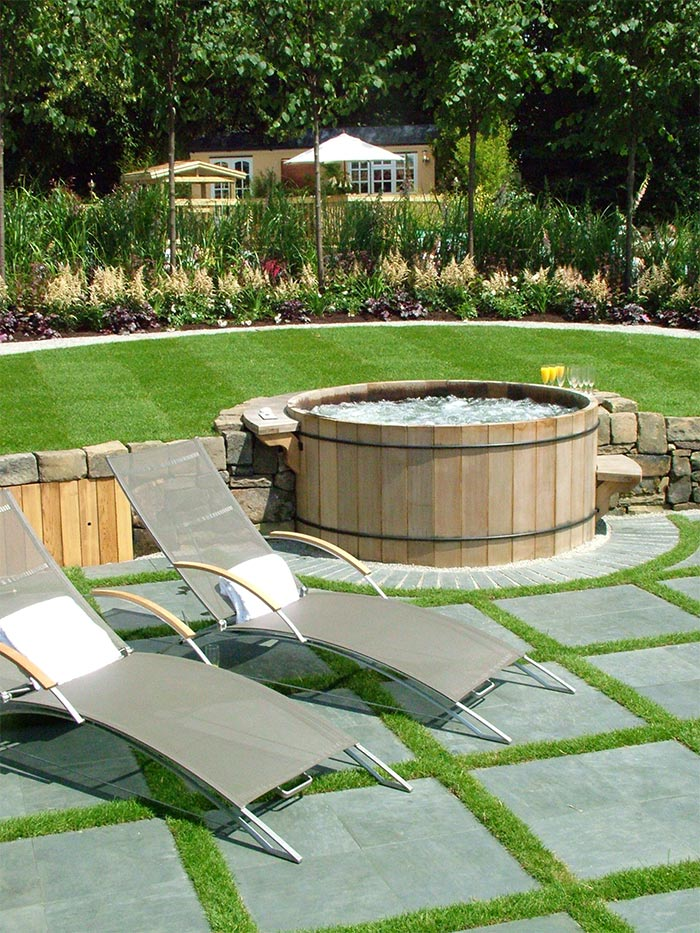 garden design ideas hot tubs photo - 3