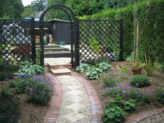 garden design ideas long narrow gardens photo - 5
