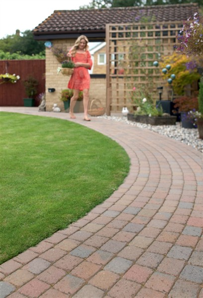garden design ideas low maintenance cadagucom - Garden Design Ideas