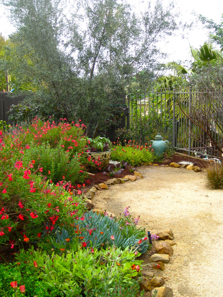 garden design ideas mediterranean photo - 2