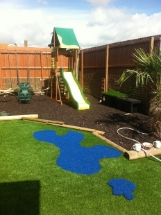 garden design ideas with children's play area photo - 2