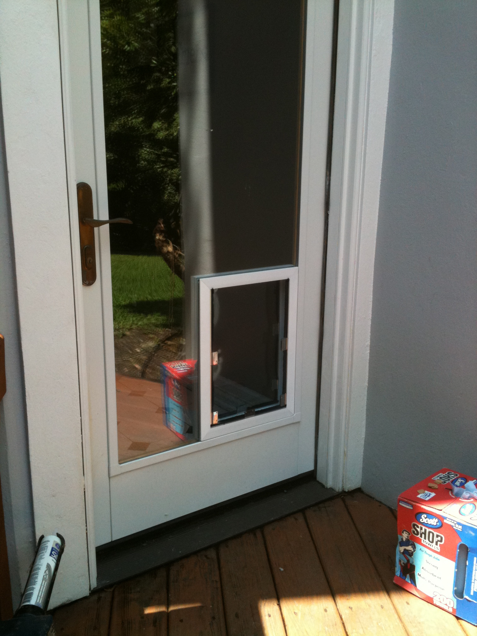 Glass dog door 20 ways to make to make the life of your for French door with dog door