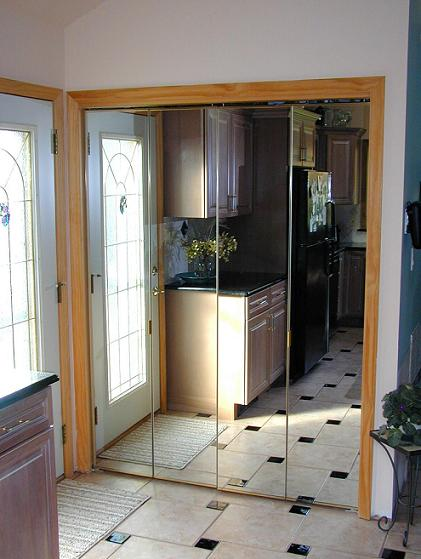 gold mirrored closet doors photo - 6