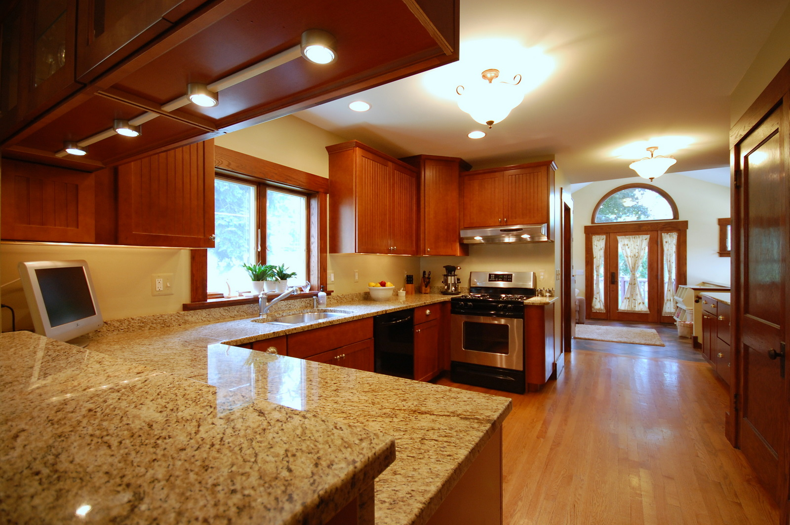 Granite Kitchen Design Ideas Photo 1