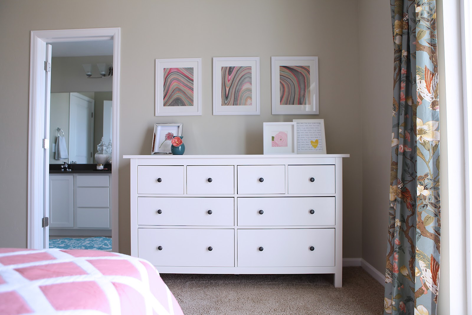 Why you should invest in a set of ikea white hemnes for Ikea comodino hemnes