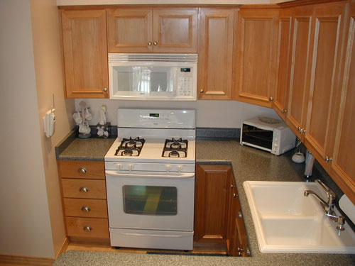 Kitchen Cabinets Ideas » Kitchen Cabinet Knobs And Pulls Placement