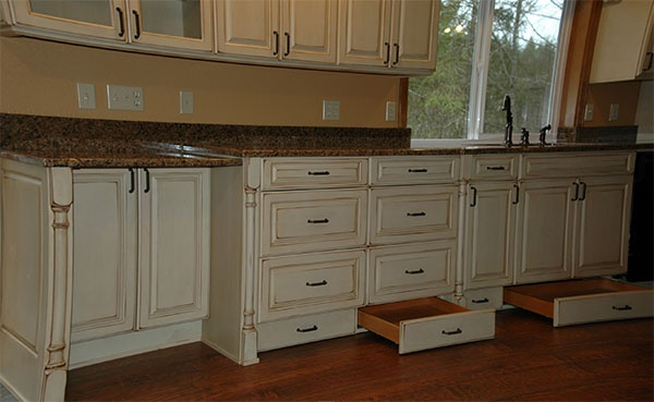 kitchen cabinet toe kick ideas photo - 6