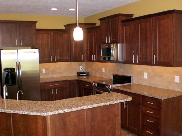 kitchen design ideas with cherry cabinets photo - 1