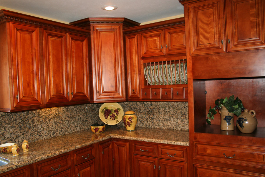 kitchen design ideas with cherry cabinets photo - 2