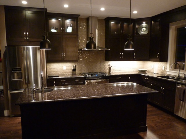 kitchen design ideas with dark cabinets photo - 5
