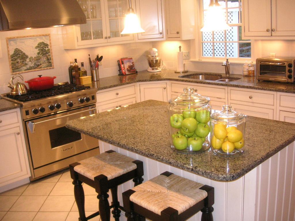 kitchen floor tile ideas with white cabinets photo - 4