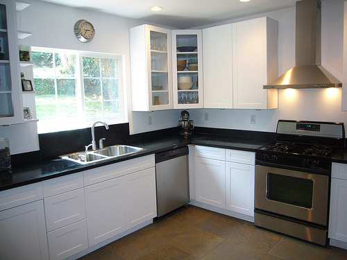 L shaped kitchen appliance layout
