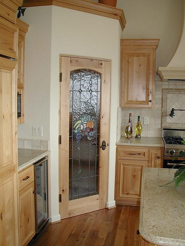 l shaped kitchen with corner pantry photo - 1