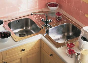 l shaped kitchen with corner sink photo - 5