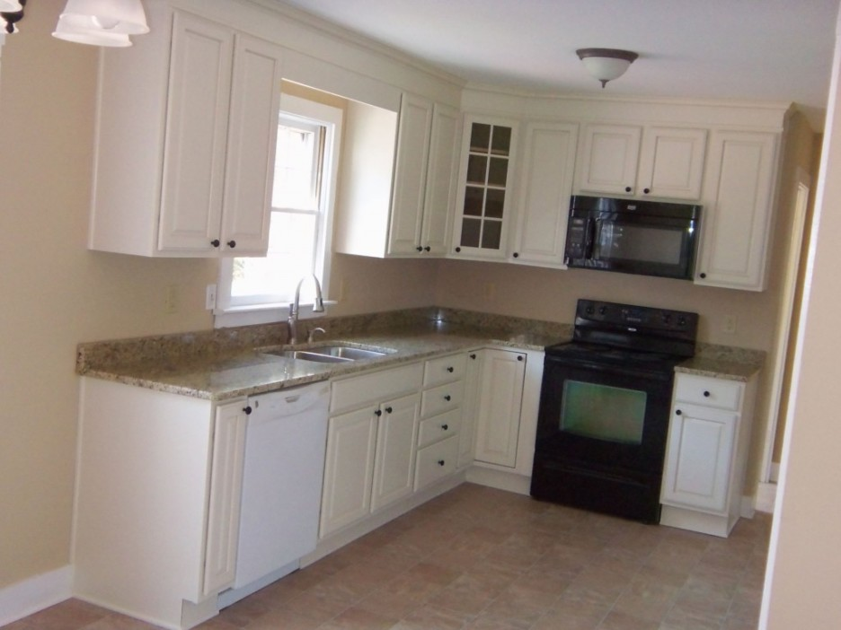 l shaped kitchen with white cabinets photo - 4