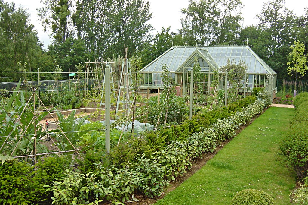 Image Gallery large vegetable garden design