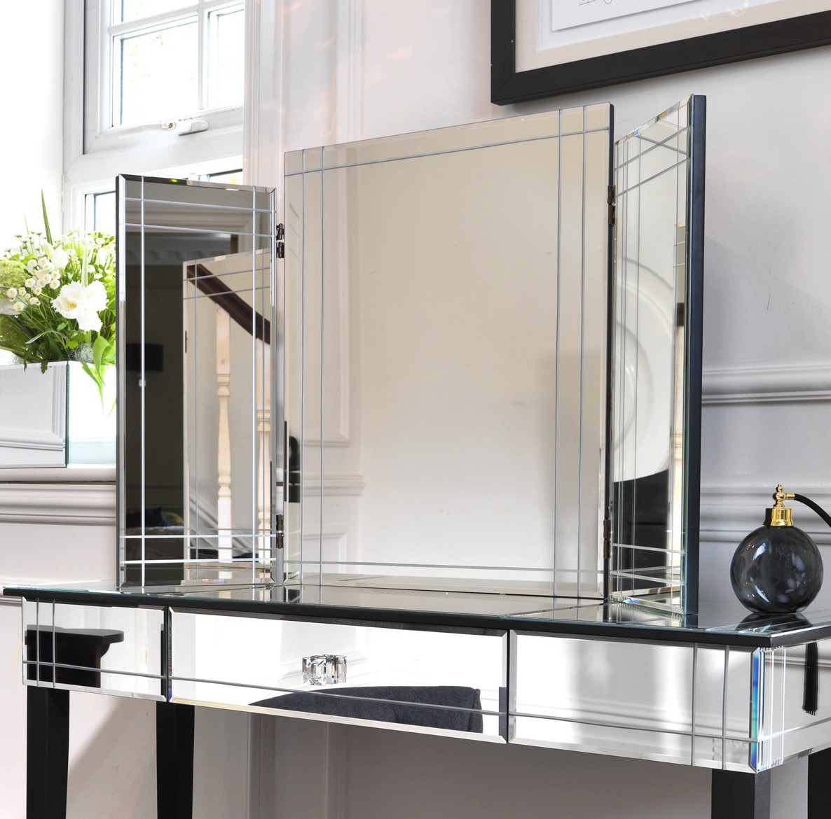 mirrored furniture bedroom photo - 1
