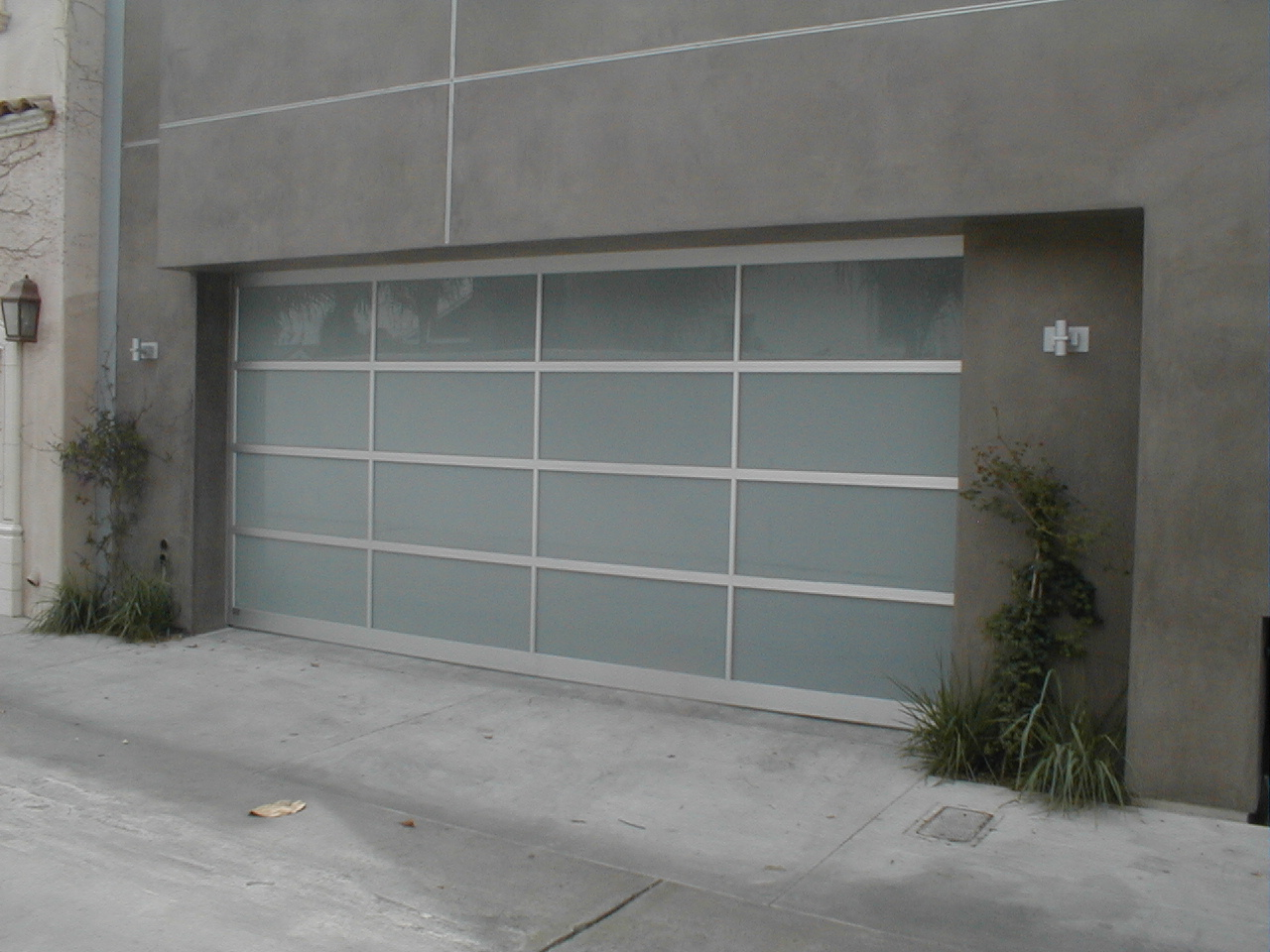 modern garage door designs photo - 2