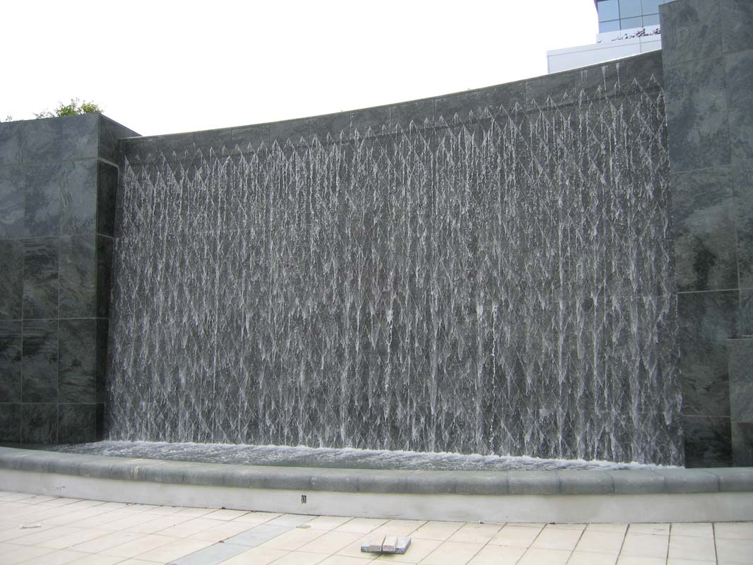modern wall water fountains photo - 2