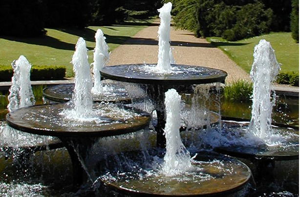 modern water fountains for gardens photo - 6