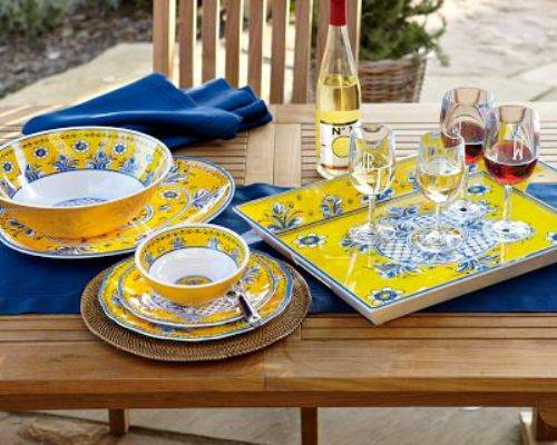 Lovely Outdoor Dining Plate Sets