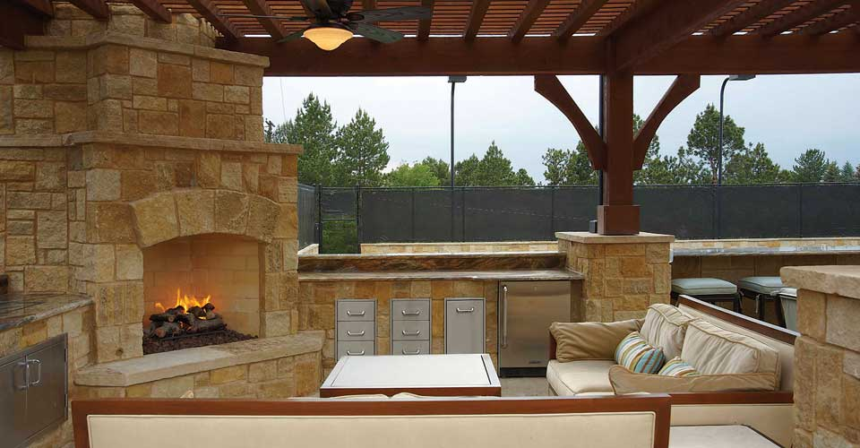 outdoor kitchen and fireplace designs photo - 1