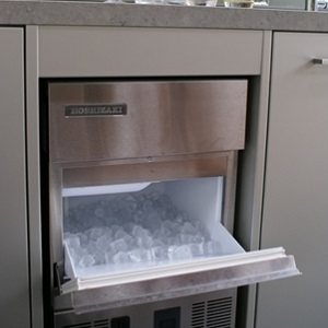 outdoor kitchen ice maker photo - 6