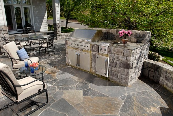 outdoor kitchen landscaping photo - 1