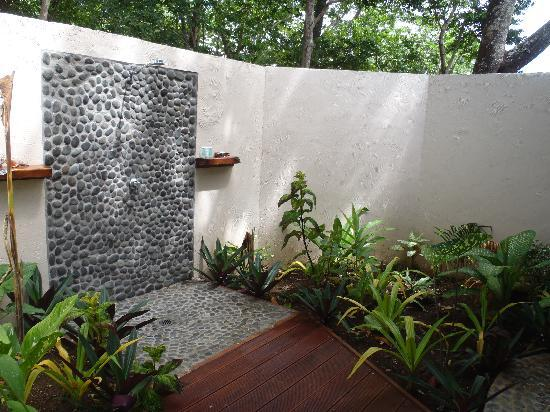 outdoor shower garden photo - 5