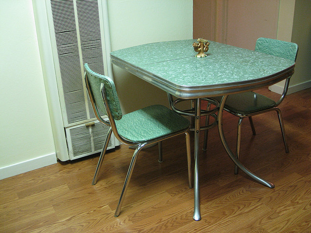 retro kitchen table legs photo - 2