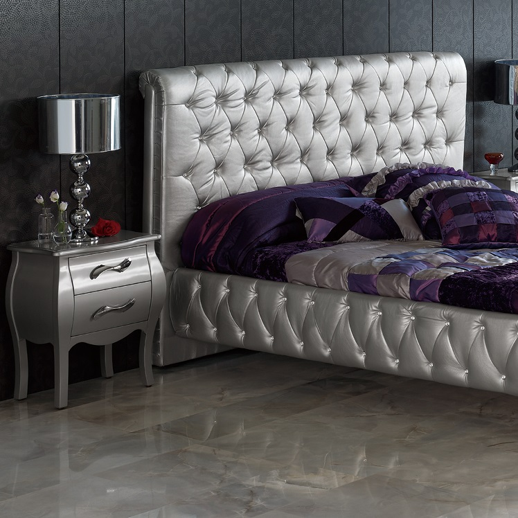 Silver bedroom furniture sets reflect a clean and for Front door furniture sets