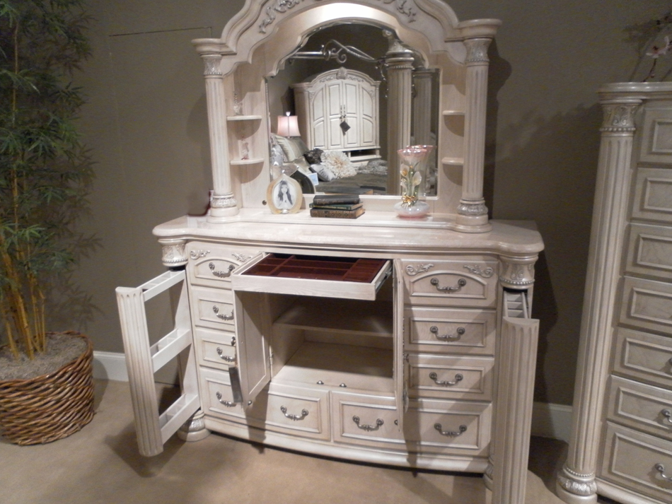 silver pearl bedroom set photo - 6