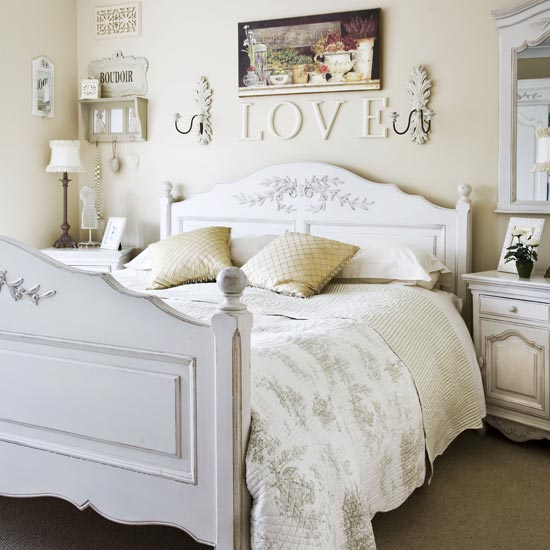 silver snow bedroom set photo - 4