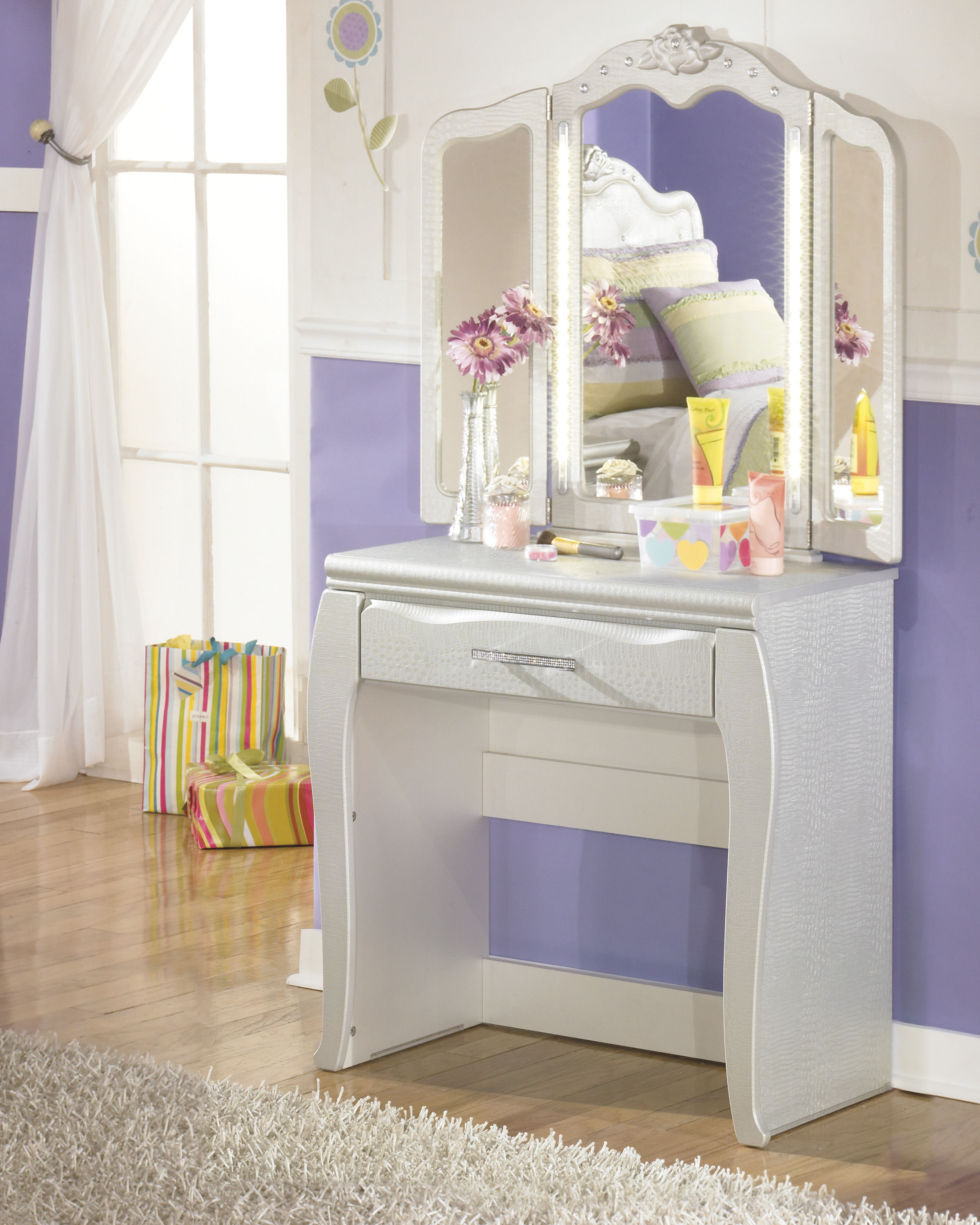silver wood bedroom sets photo - 4